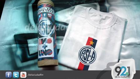 Uno más Uno Indumentaria confecciona indumentaria de fútbol 68c706a1e3b0a